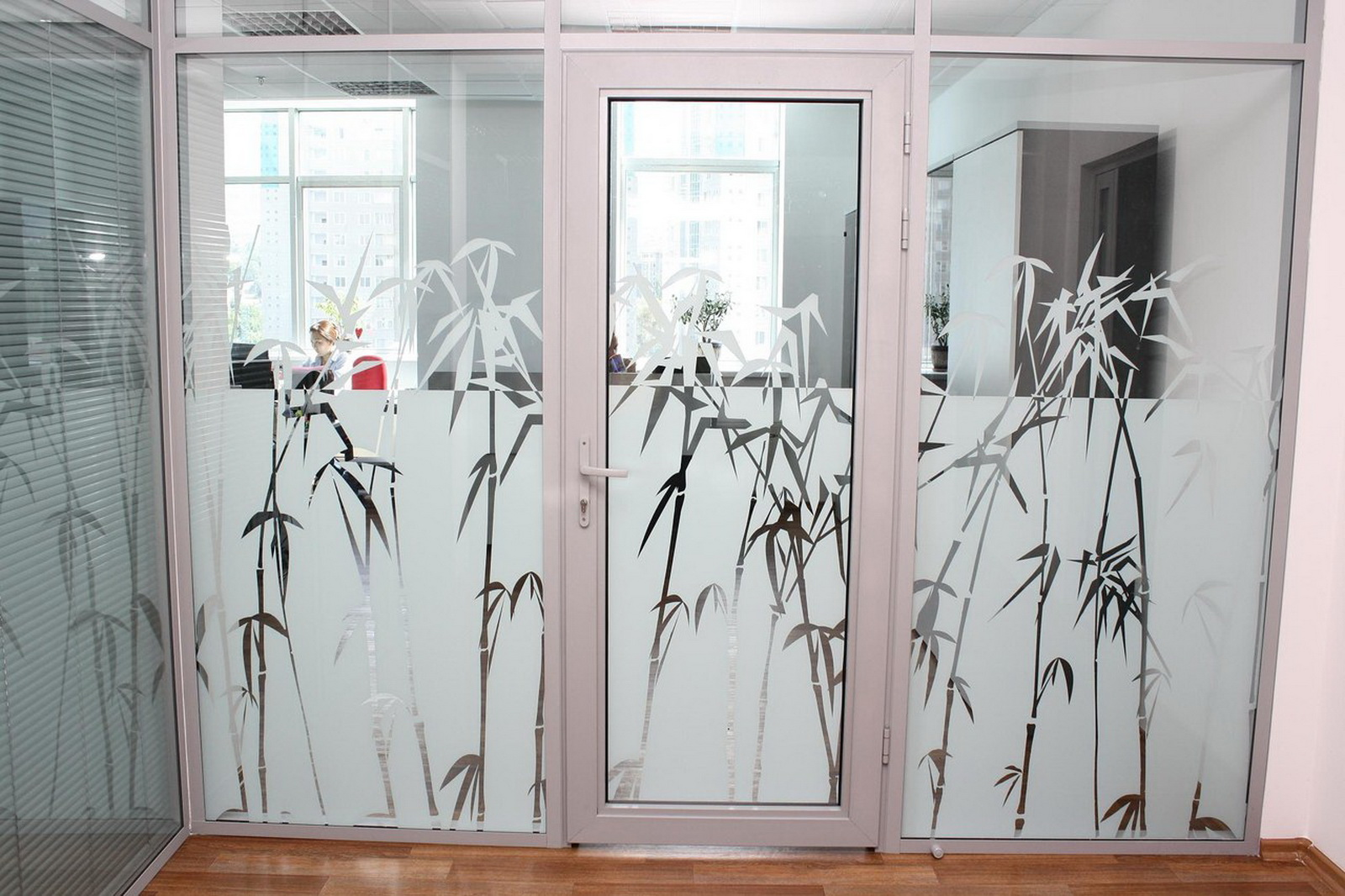 Декоративная пленка на стекло в Чебоксарах по низким ценам м.
